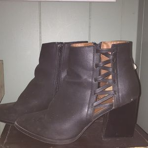 Shoes - Black booties with chunky heel, and open sides!